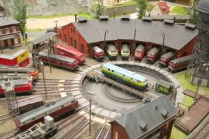 Gießharz Miniatur Eisenbahn